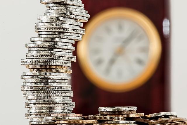 komínek z mincí, hodiny