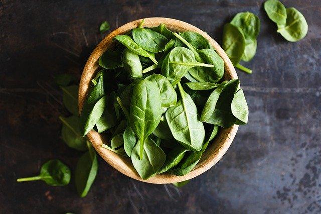 miska salátu