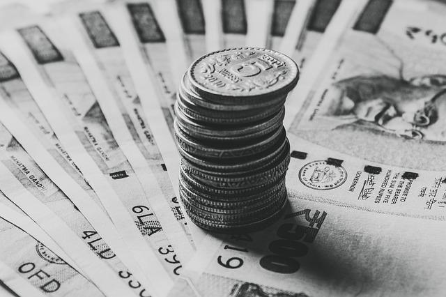 indické rupie, bankovky, mince