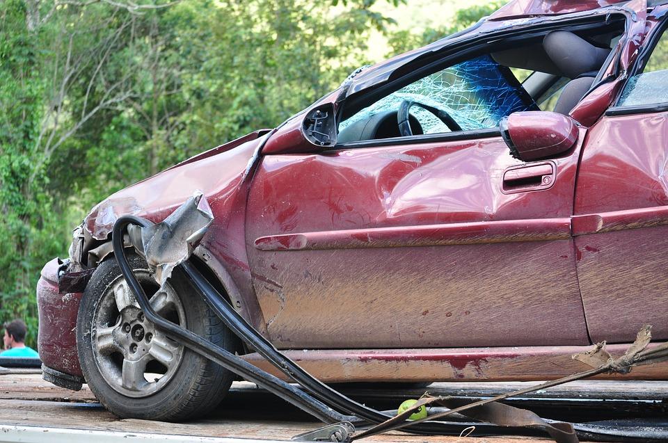 nabouraný vůz
